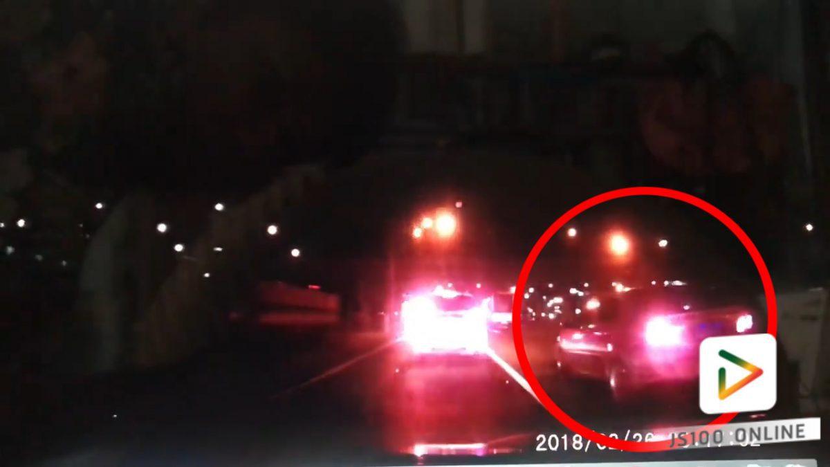 รถเก๋งพยายามแซงบริเวณทางเลี้ยว..อันตราย!! (27-02-61)