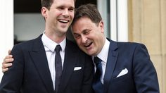 รู้จัก โกธิเยร์ เดสเตเนย์ สุภาพบุรุษหมายเลขหนึ่ง คู่รักเกย์นายกฯ ลักเซมเบิร์ก