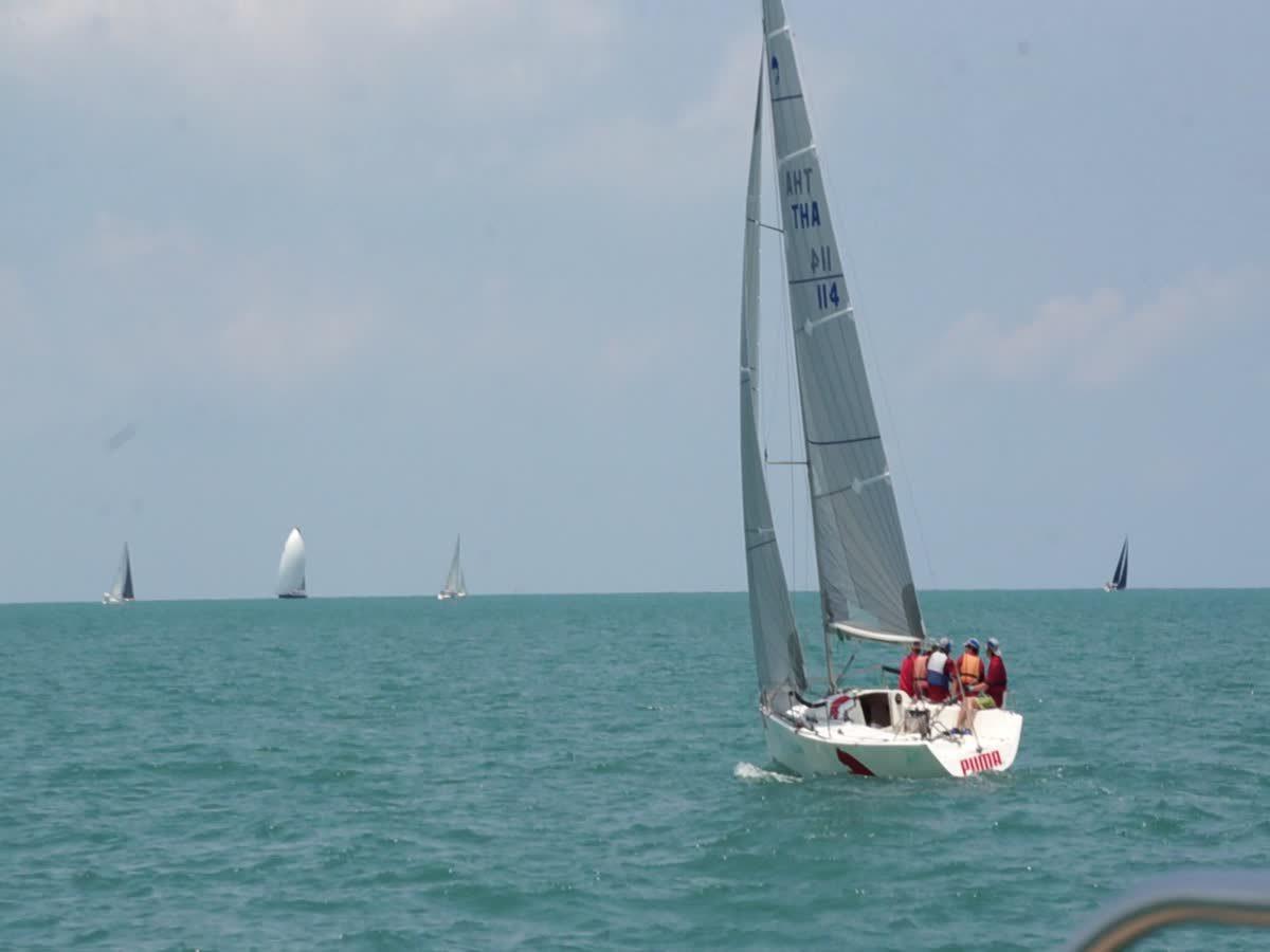 การแข่งขันเรือใบ
