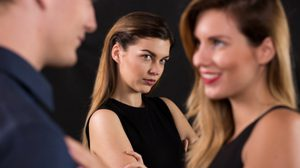 7 เหตุผลที่คุณควร เลิกเปรียบเทียบ ชีวิตคู่ ตัวเองกับคนอื่นเสียที!