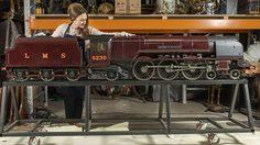 สื่อหลายแห่งคาดว่าโมเดล รถไฟ ที่ใช้เวลาประกอบถึง 10 ปี จะถูกประมูลไปที่ราคา 8 ล้านบาท!!