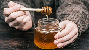 10 ประโยชน์ของน้ำผึ้ง สรรพคุณดีๆ มากมาย อยากรู้ตามมาทางนี้
