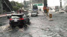 ทั่วกรุง-ปริมณฑล ฝนถล่มทั้งวัน ทำน้ำขังหลายจุด รถเคลื่อนตัวช้า