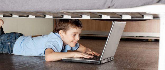 kids-hide-online
