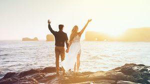 ฉีกกฏการแต่งงานเดิมๆ คู่รักใช้เงินแต่งงานเดินทางไปเที่ยวด้วยกัน!
