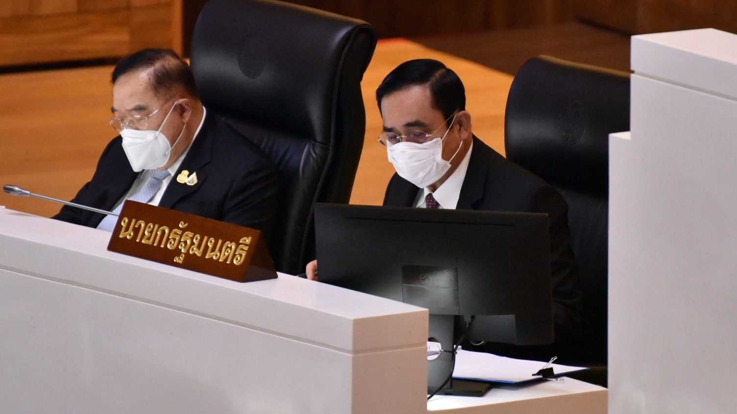 เปิดประเด็นอภิปรายไม่ไว้วางใจ นายกรัฐมนตรี และ 5 รัฐมนตรี