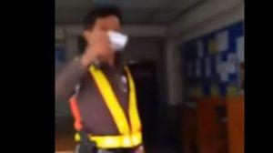 หนุ่มสุดทนอัดคลิปแฉ ถูกตำรวจจับเพราะสูบบุหรี่ในรถตัวเอง