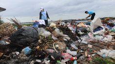 นายกเกาะสีชังประกาศ! พบมือดีทิ้งขยะไร้จิตสำนึก มีรางวัลนำจับ 20,000 บาท