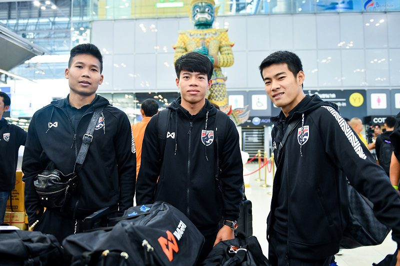 ช้างศึก ทีมชาติไทย มุ่งหน้าสู่มาเลเซีย ลุยคัดบอลโลก 9 หมื่นที่นั่ง