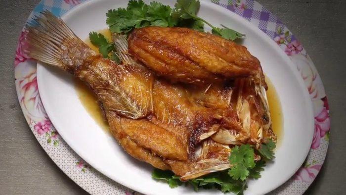 วิธีทำ ปลากระพงทอดน้ำปลา อร่อยง่ายๆ ที่บ้าน