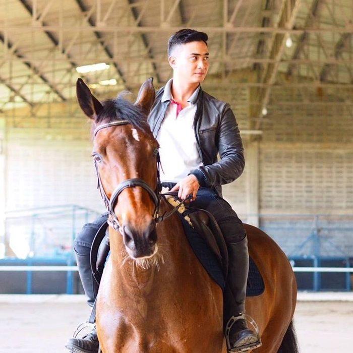 ปูไข่ พงศ์สิรี นักกีฬาขี่ม้า