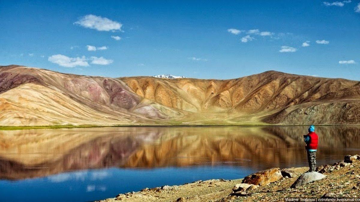 ทะเลสาบสีดำคาราคูล (Karakul Lake)