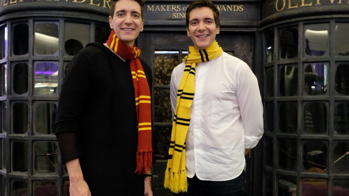 สัมภาษณ์พิเศษ! แฝดวีสลีย์ หรือ เจมส์ – โอลิเวอร์ เปิดงาน Harry Potter Christmas in the Wizarding World