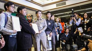 'จ่านิว' ยื่น สนช. เปิดอภิปรายถอดถอนรัฐบาล 'บิ้กตู่'