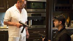 คนเหล็ก อวดความเก๋าเกมวงการนักฆ่า ในหนังตลกบู๊ระห่ำเรื่องใหม่