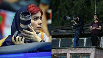 อิหร่าน ห้ามผู้หญิงเข้าสนามฟุตบอล ช่างภาพสาวเลยต้องแอบขึ้นไปถ่ายบนหลังคาบ้านข้างสนาม