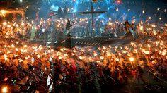 """""""Up Helly Aa"""" เทศกาลชาวไวกิ้ง ในสกอตแลนด์ เล่นจริง เผาจริง!"""