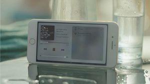 โฆษณาใหม่ iPhone 7 โชว์พลังลำโพงคู่พร้อมบอกชัดๆ ไม่ควรพกลงว่ายน้ำ