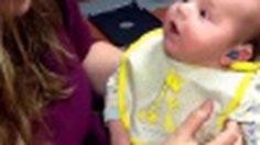 โมเม้นต์สุดซึ้ง ครั้งแรก …ที่ลูกน้อยได้ยินเสียงแม่ (ชมคลิป)