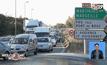 จอดรถบรรทุกปิดถนนประท้วงในฝรั่งเศส