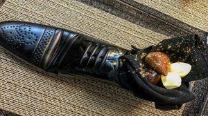 จะกล้ากินไหม ? เชฟยิวเสิร์ฟขนมในรองเท้าให้ 'นายกญี่ปุ่น'