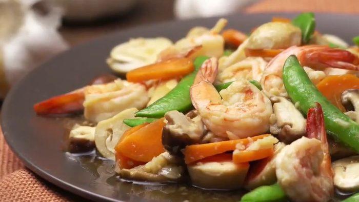 วิธีทำ ผัดผักรวมกุ้ง ทำง่าย อร่อย ประโยชน์เพียบ