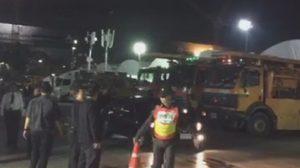 ผู้ว่าราชการกรุงเทพ ปล่อยขบวนรถ ทำความสะอาดสนามหลวง