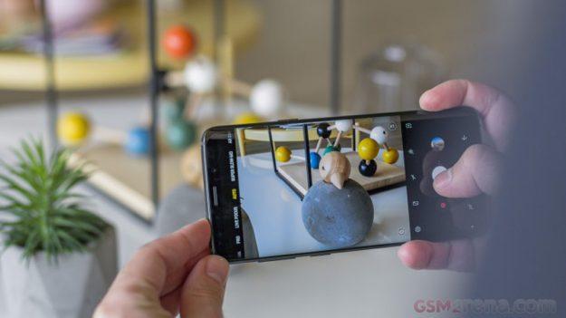 Samsung Galaxy S10 เผยข้อมูลกล้อง 3 ตัว ใช้เลนส์แตกต่างกัน 3 แบบ