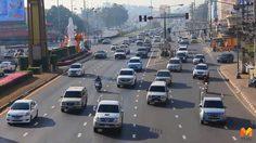 ปากน้ำโพปริมาณรถเริ่มหนาแน่น ติดขัดตามสัญญาณไฟจราจร