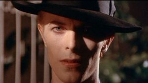 เดวิด โบวี่ จะกลับมาทำภารกิจที่โลกอีกครั้งใน The Man Who Fell to Earth ในโรงภาพยนตร์