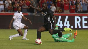 ผลบอล : ลูกากู ประเดิมตุงแรก!! แมนฯ ยูไนเต็ด 10คน เฉือนหวิว รีล ซอลต์ เลค หืดจับ 2-1