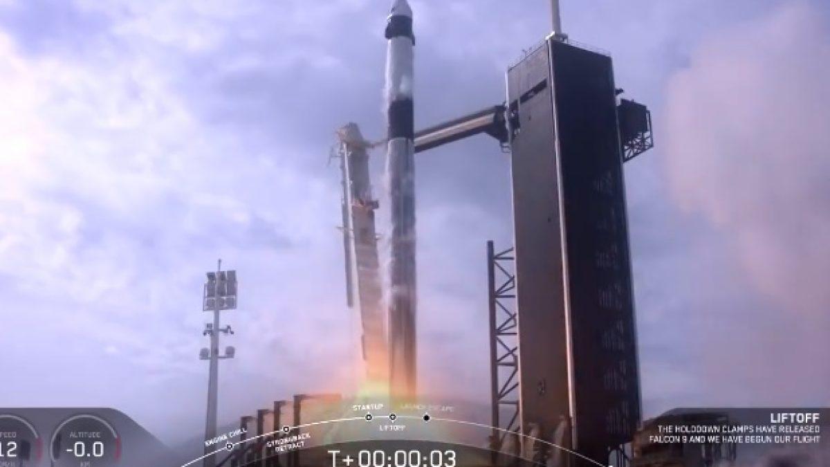 นาที SpaceX ระเบิดจรวด Falcon 9 ทิ้งกลางอากาศ เพื่อทดสอบระบบดีดตัวฉุกเฉิน