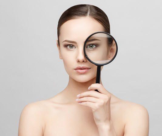 ฉีดฟิลเลอร์ใต้ตา VS ฉีดไขมันใต้ตา แต่ละวิธีมีข้อดีต่างกันอย่างไร?