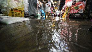 ผู้ค้ายัน ไม่ใช่น้ำท่วม แค่น้ำล้นตลิ่งช่วงน้ำทะเลหนุน
