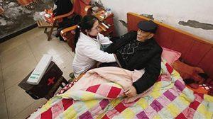 คนทำดีต้องชื่นชม! คุณหมอไร้ขา อุทิศตน รักษาตามบ้าน ในหุบเขามากกว่าครึ่งชีวิต