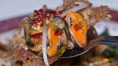 ร้าน ศิริวรรณหอยทอด อร่อยเก่าแก่ สูตรดั้งเดิมวัดมกุฏฯ
