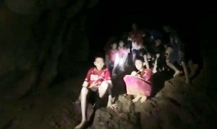 ทีมหมูป่าอะคาเดมีแม่สาย ปลอดภัย