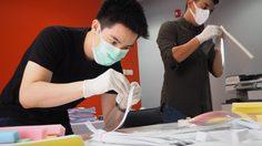 ผู้ประกาศข่าวจิตอาสา ช่อง MONO29 ร่วมทำ Face Shield มอบทีมแพทย์สู้ COVID-19