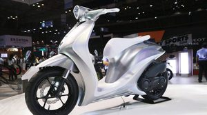 Yamaha โชว์ล้ำ เปิดตัว Yamaha Glorious สกู๊ตเตอร์ตัว concept ที่งาน Vietnam Motorcycle Show 2017