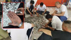 สาวจีนหอบเงินเหรียญ 6 แสนบาท ไปซื้อรถ Volkswagen เล่นเอาพนักงานนั่งนับกันหน้ามืด