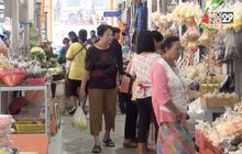 ชาวไทยเชื้อสายจีน จ.สตูล ซื้อของเซ่นไหว้ตรุษจีน