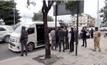 รถตู้โดยสารยิงกันแย่งผู้โดยสาร