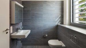 เทคนิคแต่ง ห้องน้ำขนาดเล็ก ให้ใช้งานได้อย่างสะดวกแบบไม่อึดอัด