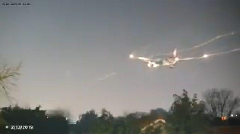 การบินไทย ลงจอดฉุกเฉินสนามบินฮีทโธรว์ หลังไฟเตือนประตูปิดไม่แน่น