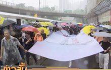 ผู้ประท้วงในฮ่องกงเข้าร่วมการเดินขบวนครั้งใหญ่