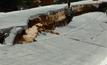 ถนนเลียบคลองลำรี ย่านนนทบุรี ทรุดตัว 1.5 เมตร