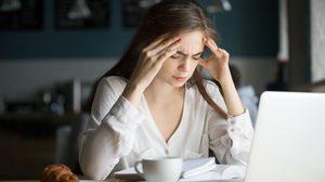 5 อาการบ่งบอกว่า ปวดศีรษะไมเกรน พร้อมแนะวิธีบรรเทาอาการ