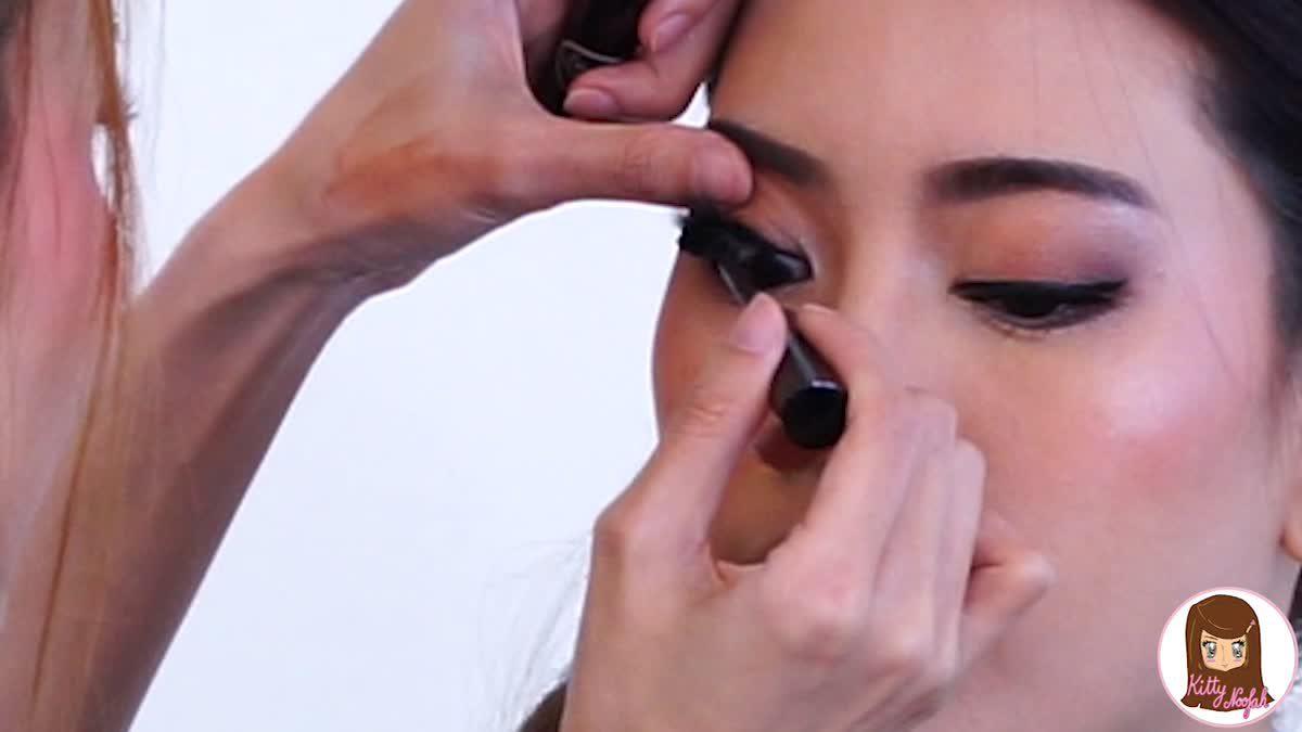 HOW TO  : วิธีปัดมาสคาร่าไม่ให้เลอะ พร้อมสอนติดขนตา