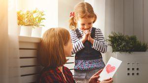 รวมคำบอกรัก – คำอวยพรวันแม่ ภาษาต่างๆ พร้อมคำแปล