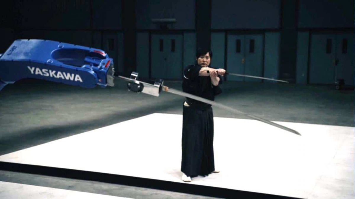 ใครจะเหนือกว่ากัน! เมื่อ สุดยอด ปรมาจารย์ดาบซามูไร Vs หุ่นยนต์ แขนกลอัจฉริยะ